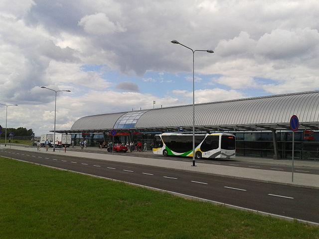 modlin port lotniczy