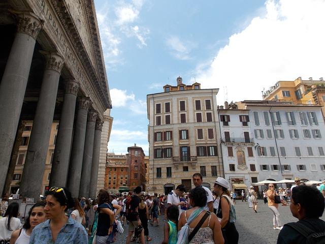 turysci miasto rzym